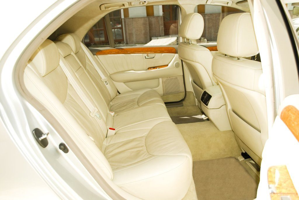 фото чистого салона автомобиля